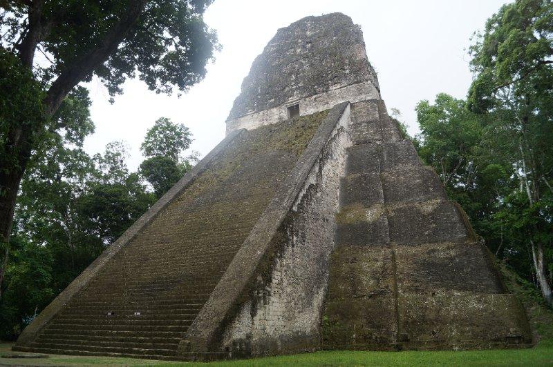 large_Tikal_ruins__61_.jpg