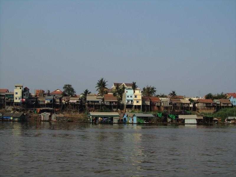 large_PhnomPenh_SiemReap.jpg