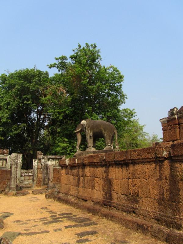 large_SiemReap_AngkorWatt_8.jpg