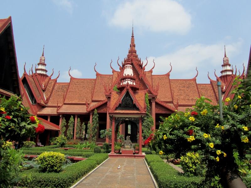 large_nationalMuseum_PhnomPenh.jpg