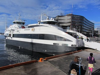 THE FAST FERRY TO DROBACK