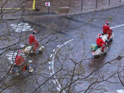 Even more Santas
