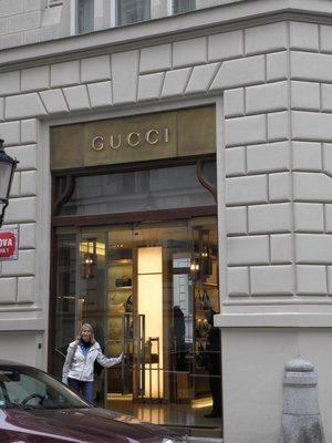No Gucci for Linda!