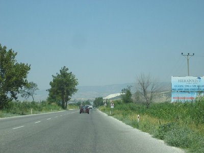 Road into Pamukkale