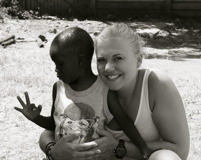 Står på: Lene Tollefsen Rodegård arbeider for gateborn i Zimbabwe..