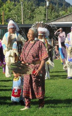 Grandma, Grandchild, and Chiefs