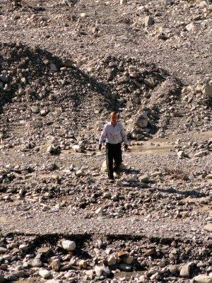 Selecting Riverstones 5-24-2013 10-25-03 PM