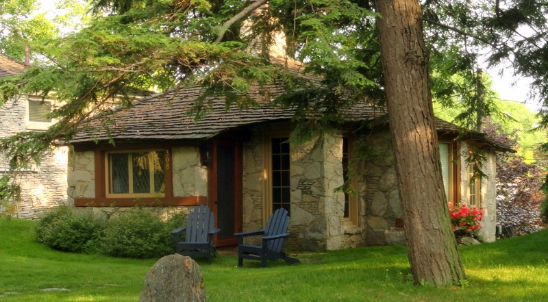 Earl Young Cottage