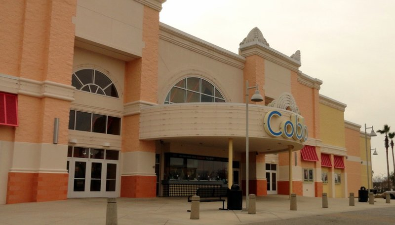 Gulf Shores Has a Movie Theater