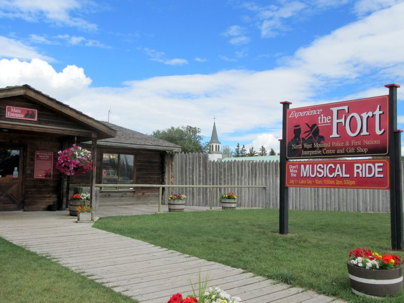 Welcome to Fort Macleod-001