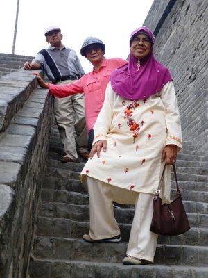 Ellie, Osman and I at the high steps of Xi'an City Wall