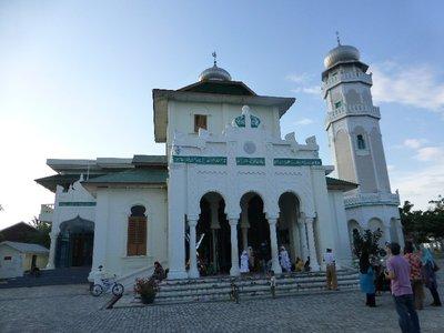 Masjid Bautulrahim in Uleelheue