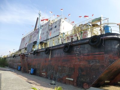 PTLD Apung weighing 2,600 ton transported 5 km away from the harbour to a village by tsunami.