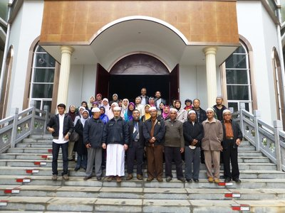 The group at the Madarasah in Shadian.