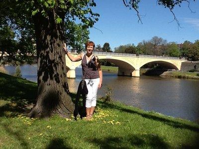 Brug over de Yarra rivier en ons fotomodel