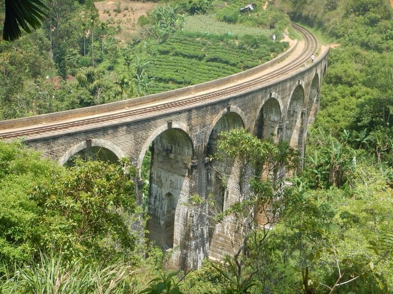 9 Arches Bridge near Ella