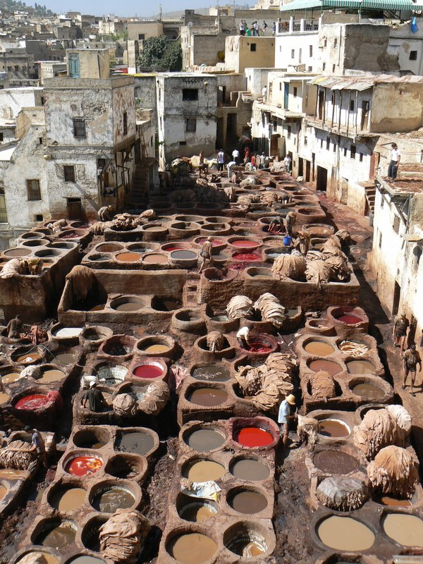 Leather dyeing