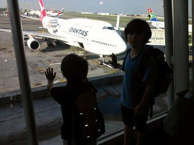 2 quantas flights