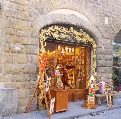 Pinnochio store