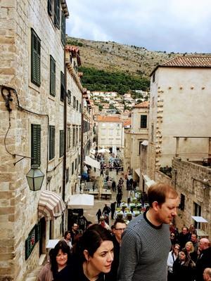Dubrovniktourists.JPG