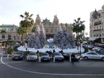 Monte Carlo: Luxury Cars in Front of Hotel