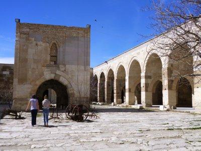 Kiosk mosque (on the left) in the caravanserai
