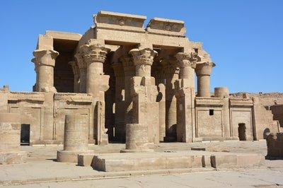 Egypye--tempel van Kom Umbu (2)