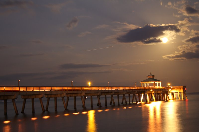 Full Moon at Deerfield Beach