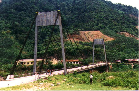 large_dakrong_bridge.jpg