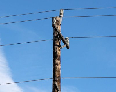 telephone_pole__us.jpg