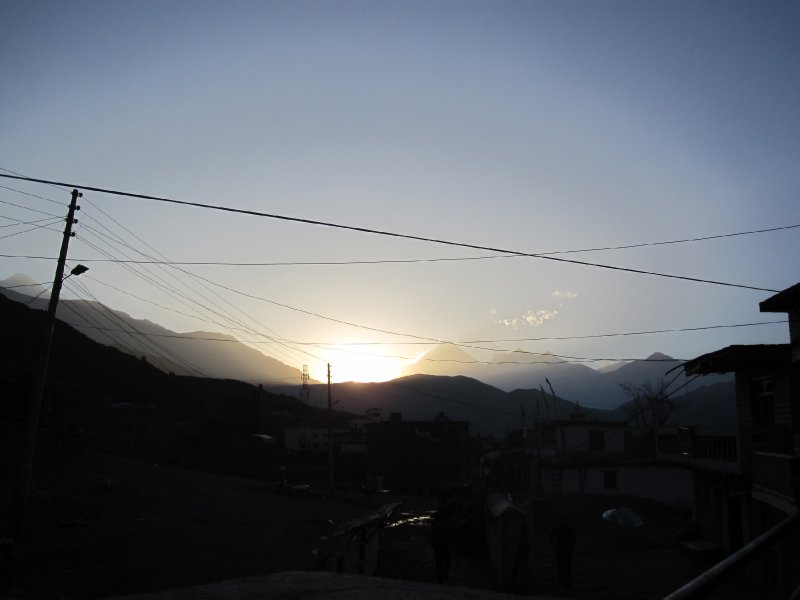 the sunrise as we approach Thorong-La