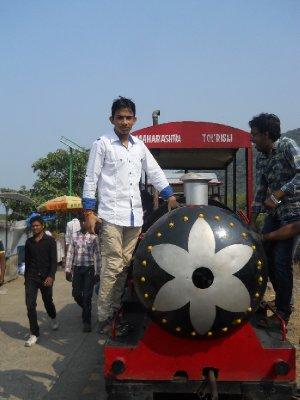 Raju Suthar (5)