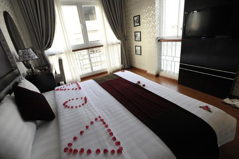 Hanoi Victory Hotel room (3)