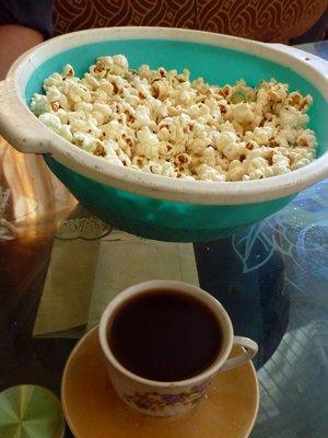 Coffee_and_popcorn.jpg
