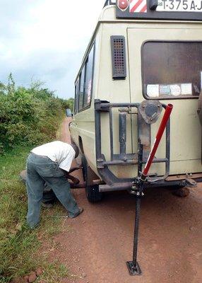 safari_flat_tire.jpg