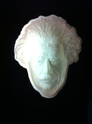 Einstein is always watching you! Another optical illusion at Puzzling World