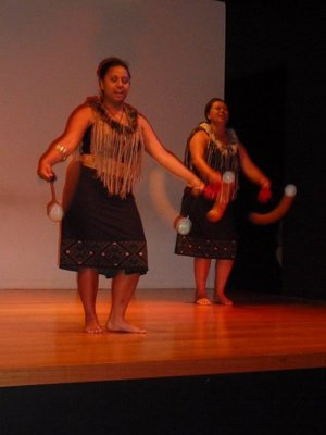 Maori Poi Dance