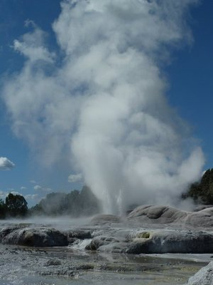 The Pohutu Geyser erupting