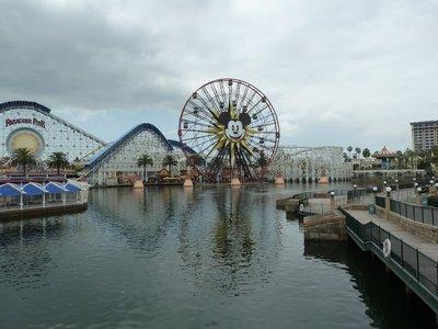 Mickey's Fun Ferris Wheel and California Screamin' Roller Coaster across the bay in Paradise Pier