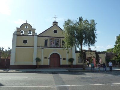 La Iglesia de Nuestra Señora Reina de los Angeles (The Church of Our Lady Queen of the Angels)