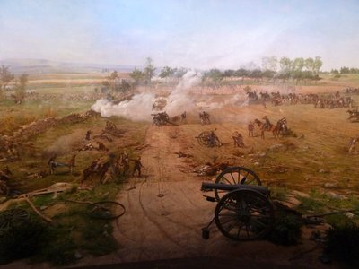 Cyclorama - the view north with Union artillery firing on the advancing Confederates (again note the real canon in the foreground to give a 3D effect)