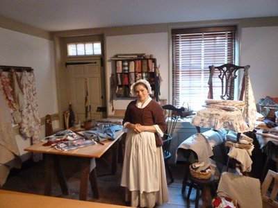 The actor playing Betsy Ross offering to take on new sewing commissions