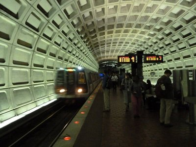 The Washington Metro arrives to take me to the Smithsonian Institute