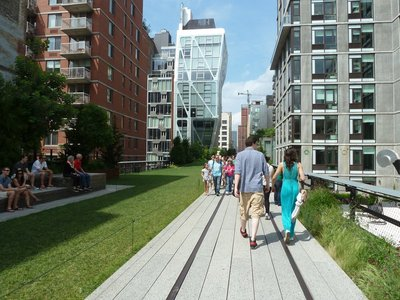 The High Line's 23rd Street Lawn