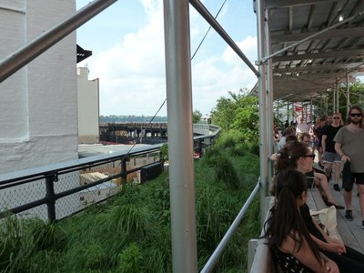 The extension to the High Line at 30th Street under construction
