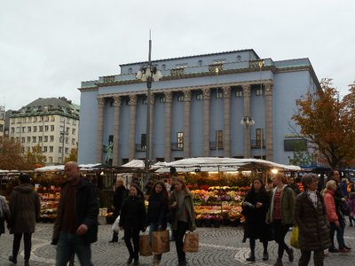 The open air fruit market outside the Konserthuset Stockholm Concert Hall)