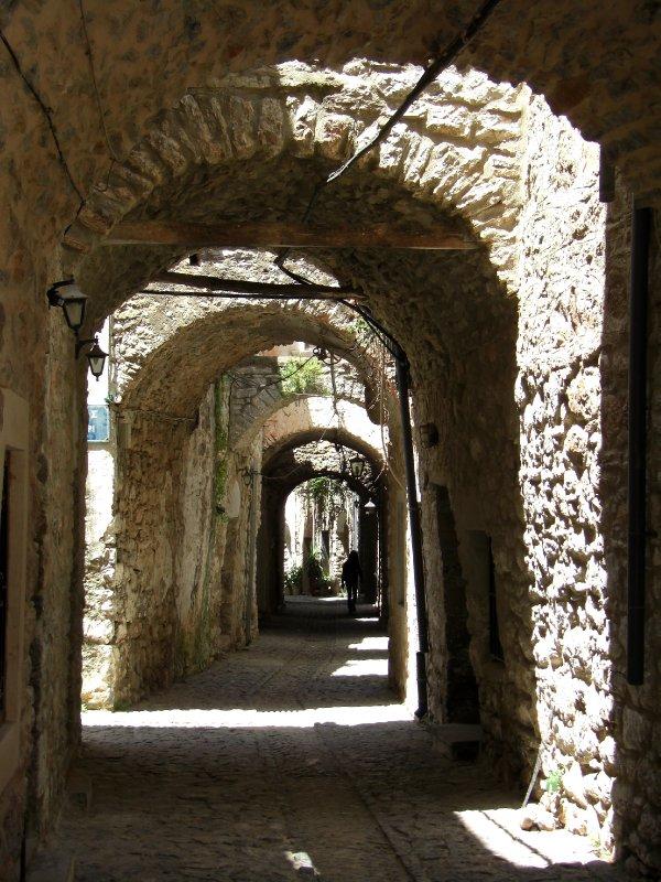 The winding alleys of Mesta