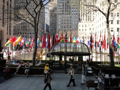 Rockefeller Centre - flags of the fifty states 1