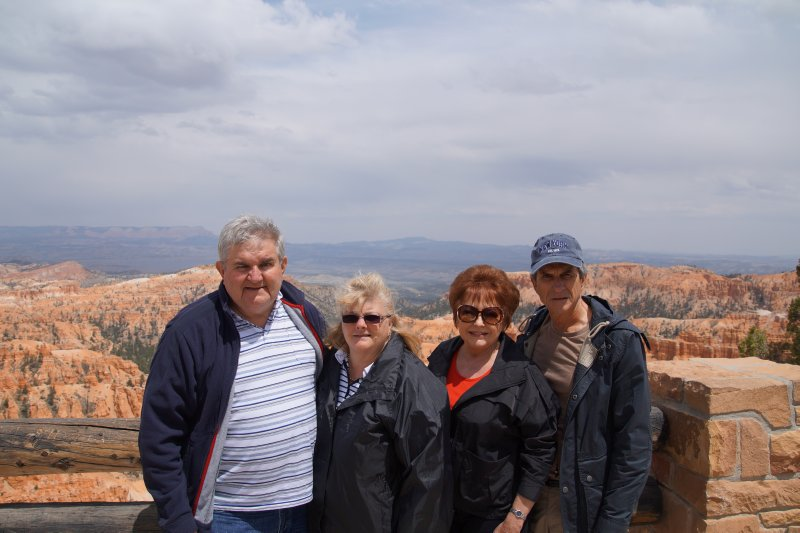 Bryce Canyon NP, Inspiration Point -  David, Colleen, Julie and Philip