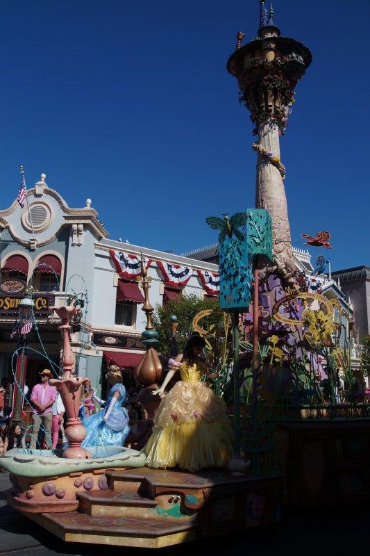 Disneyland  Parade 12